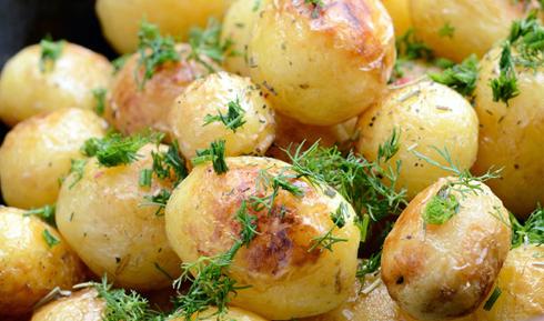 Молода смажена картопля