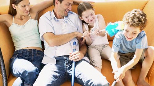 Обдумайте в чому полягатиме завдання кожного члена сім'ї, щоб не заважати один одному.