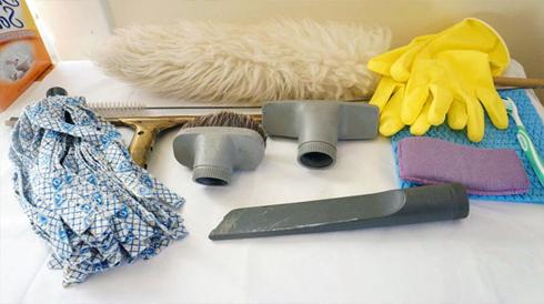 Заздалегіть приготуйте необхідні інструменти, насадки для пилесосу, ганчірки, губки