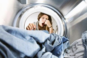 Як позбутись неприємного запаху з пральної машини
