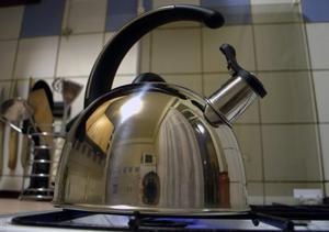 Як позбутися від накипу в чайнику?