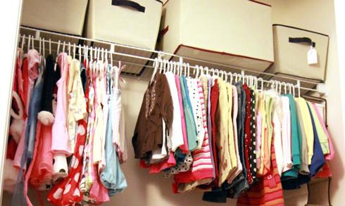 Як зберігати літні речі - питання цікаве, адже треба знайти та організувати місце, де зберігати та речі буде найкраще.