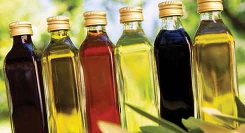 Зберігати олію слід у прохолодних та темних місцях