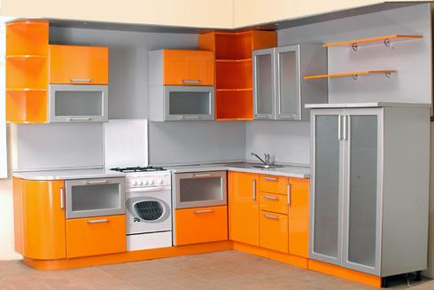 Кухня з фасадом з фарбованого МДФ