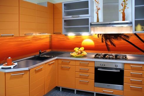 Кухня з фасадом покритим пластиком
