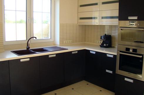 Кухня з фасадом МДФ, покритий ПВХ плівкою