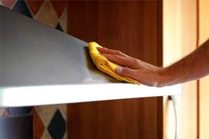 Як очистити кухонну витяжку від жиру?