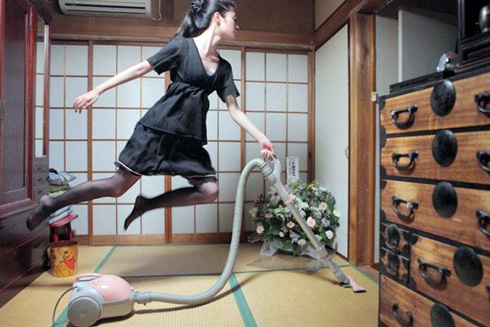 Починати прибирання радимо з далеких кімнат, завершуючи його послідовно в кожному приміщенні