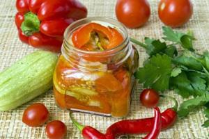 Салат із запечених овочів на зиму