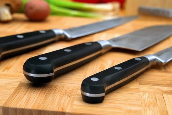 Міняти ножі слід не рідше, ніж один раз на два роки.