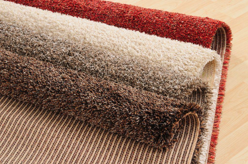 Якщо ж немає ні часу, ні коштів, саме час згадати про такі речі, як теплий килим з волохатим ворсом або ковролін